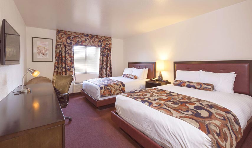1 Bedroom Suite with 2 Queens in Grand Canyon Plaza Hotel Arizona